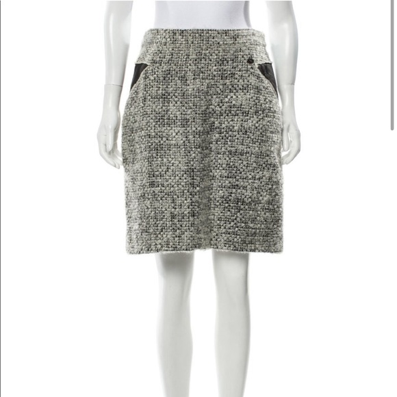 CHANEL Dresses & Skirts - Chanel A 10 Tweed Bouclé Skirt Size 10 Large